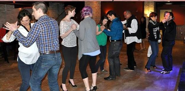 Salsa Social: Salsa con Sentimiento
